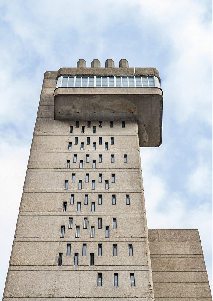 Trellick Tower, London, Ernö Goldfinger 1972 I Brutalist Beauties I Postcard I Brutalism, Brutalist Architecture, British Brutalism, Concrete I © HEARTBRUT