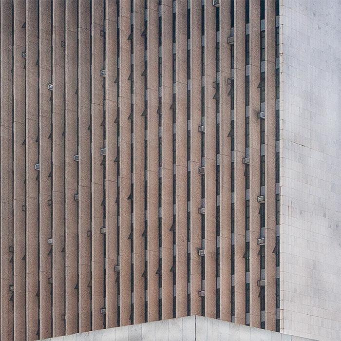 BRASILIA, MONUMENTAL MODERNIST MONOLITH, OSCAR NIEMEYER I ©HEARTBRUT / KARIN HUNTER BÜRKI