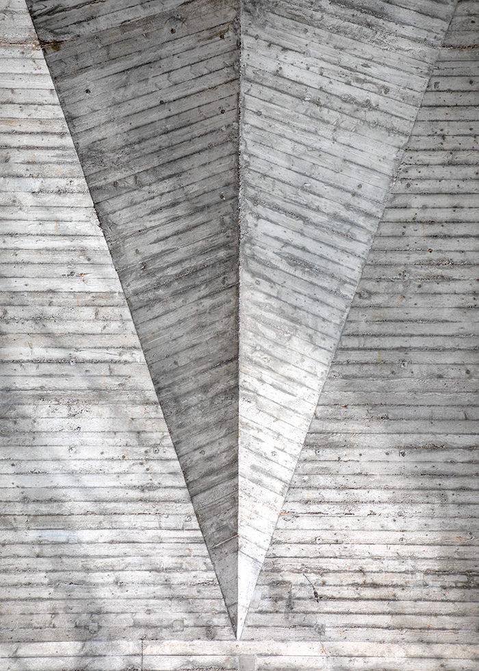MAURERHALLE, MASONRY HALL, INTERIOR CONCRETE FOLD DETAIL, HERMANN BAUR, BASEL 1961 I ©HEARTBRUT / KARIN HUNTER BÜRKI
