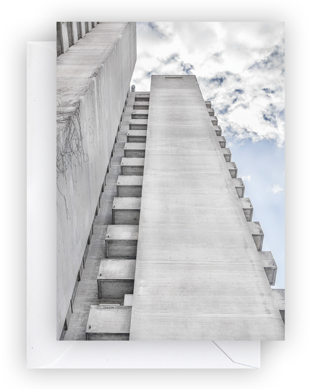 Triemli Tower Postcard, A6 I Zürich Brut Edition I © HEARTBRUT / Karin Hunter Bürki